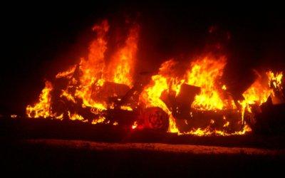 Na Malorke horeli autá
