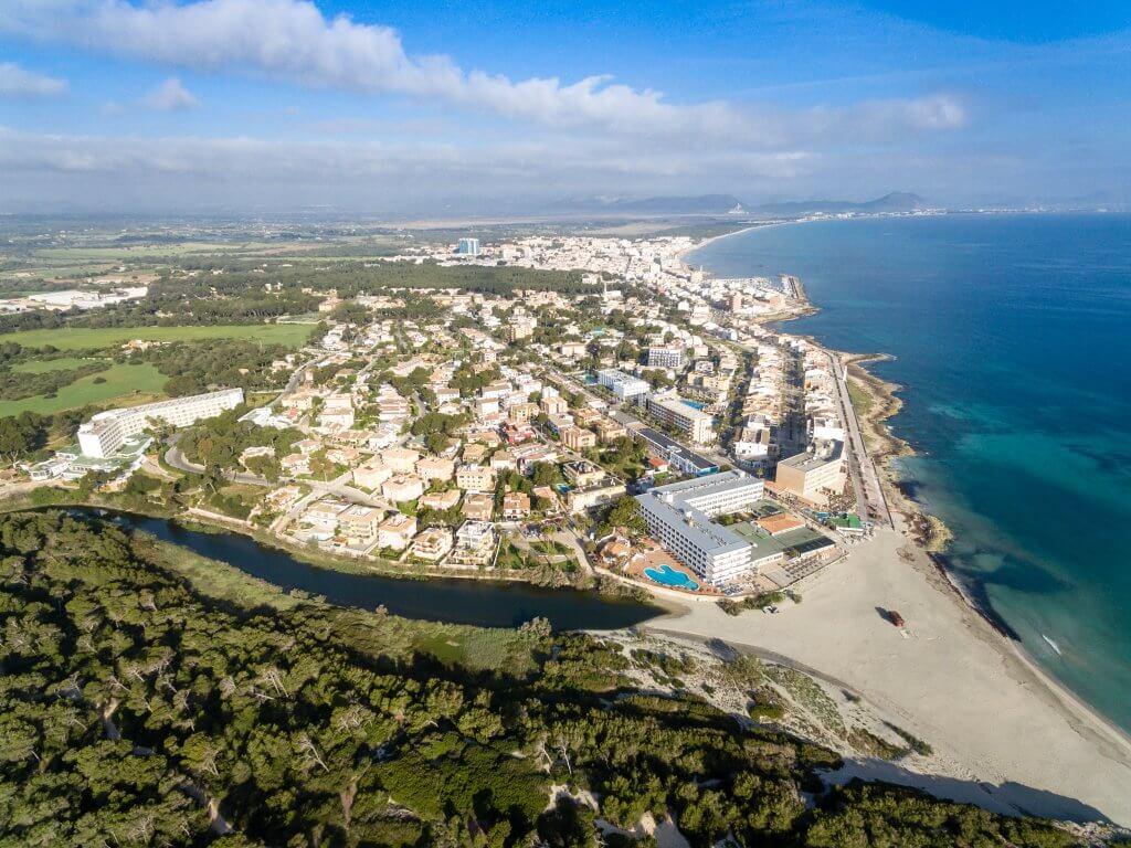 Pohľad zo vzduchu, výšky na Can Picafort / Malorka.sk