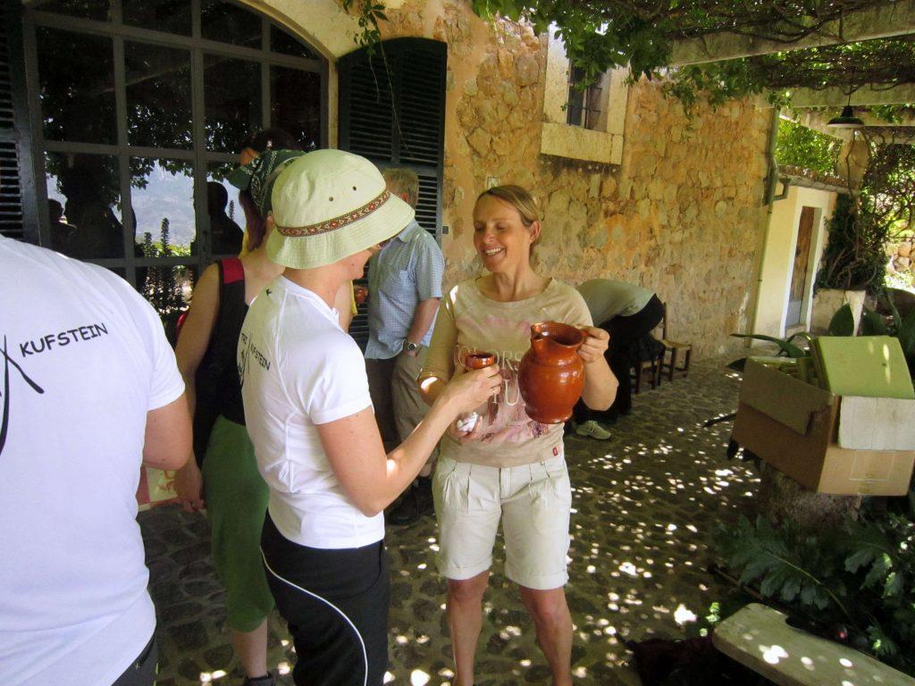 Nemeckí turisti na ochutnávke vín / Malorka.sk